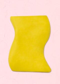 Forme abstraite d'argile artisanale forme texturée irrégulière en art créatif bricolage jaune
