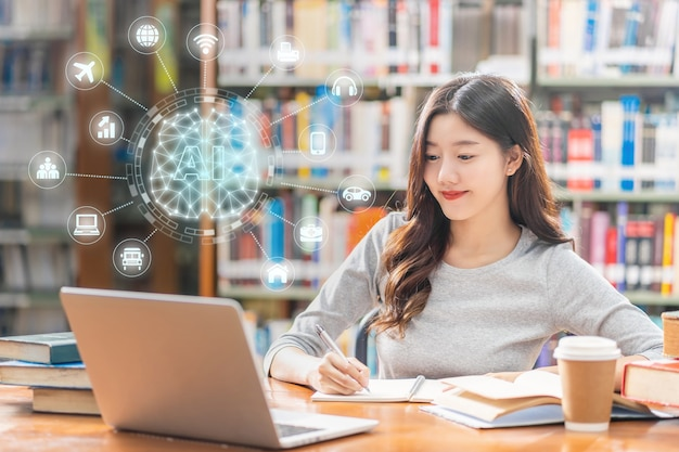 Forme de cerveau polygonale d'une intelligence artificielle avec diverses icônes de ville intelligente