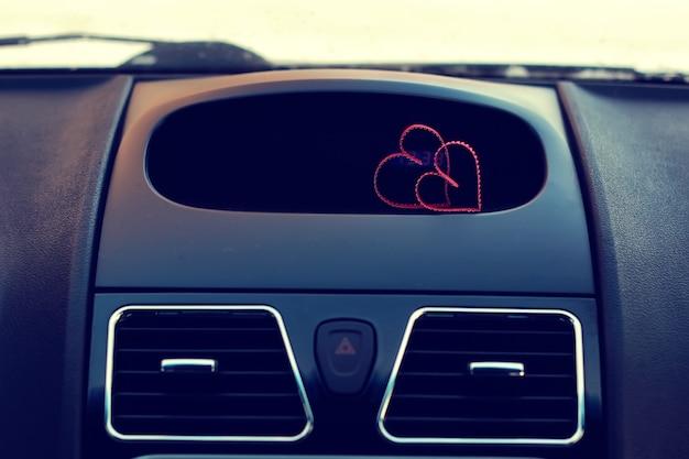 Forme de coeur de deux couples