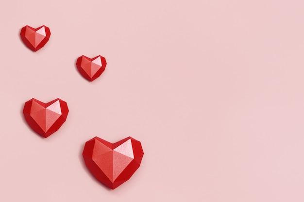 Forme De Coeur De Papier Polygonale Rouge Photo Premium