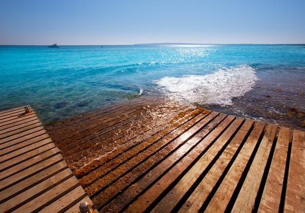 Formentera mitjorn plage avec méditerranée turquoise