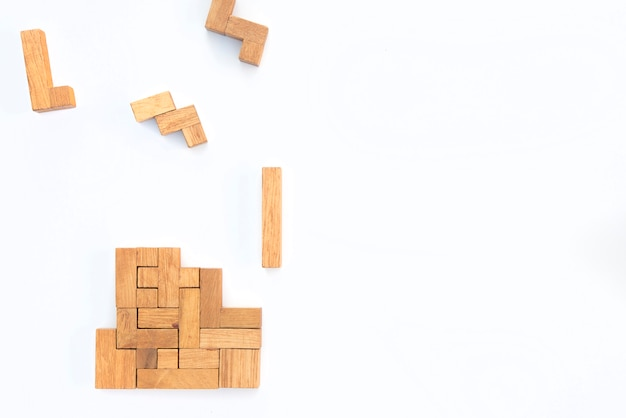 Formes géométriques en vue de dessus, concept de pensée créative et logique.