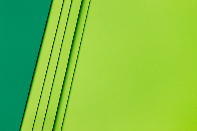 Formes de papier vert foncé et clair