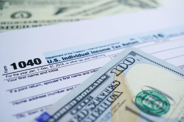 Formulaire de déclaration de revenus 1040 et billet en dollars: us individual income.