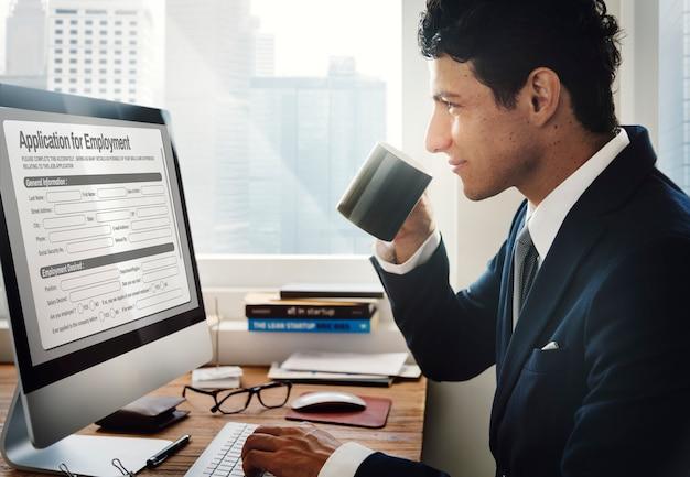 Formulaire De Demande De Remplissage De Documents Concept Photo gratuit