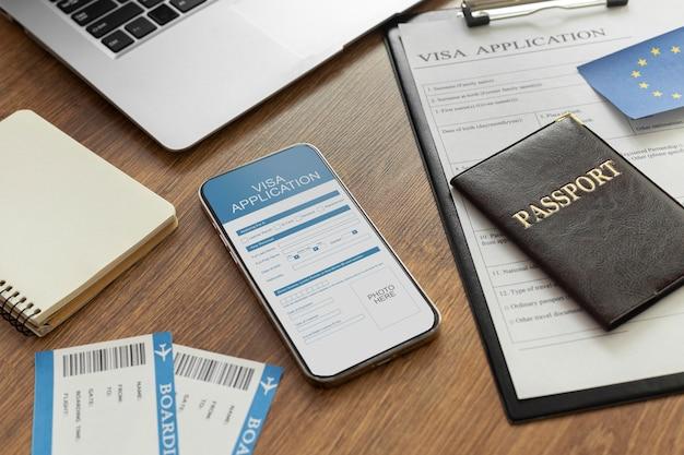 Formulaire de demande de visa sur smartphone