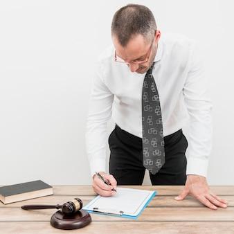 Formulaire de remplissage d'avocat