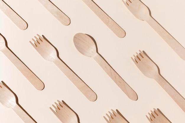 Fourchettes et cuillères en carton bio