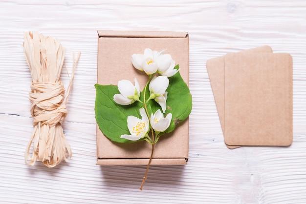 Fournitures d'artisanat pour l'emballage de cadeaux