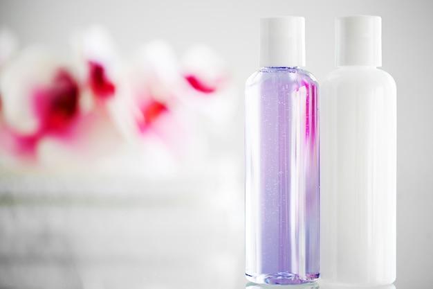 Fournitures de douche. composition de produits cosmétiques de cure thermale.
