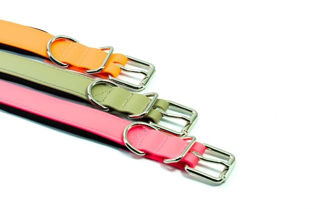 Fournitures pour animaux de compagnie sur les colliers en caoutchouc pour animaux de compagnie.