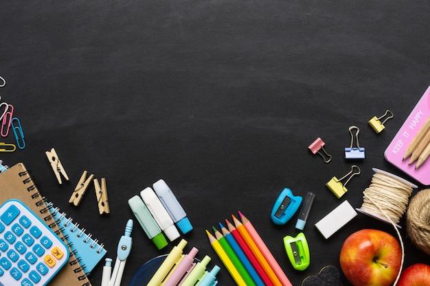 Fournitures scolaires au tableau
