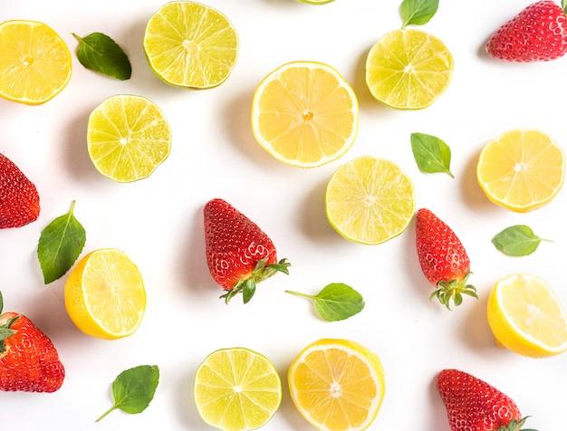 La fraise fraîche et les citrons