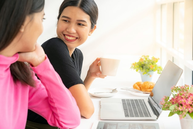 Freelance au café