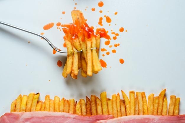 Frites sur une fourchette