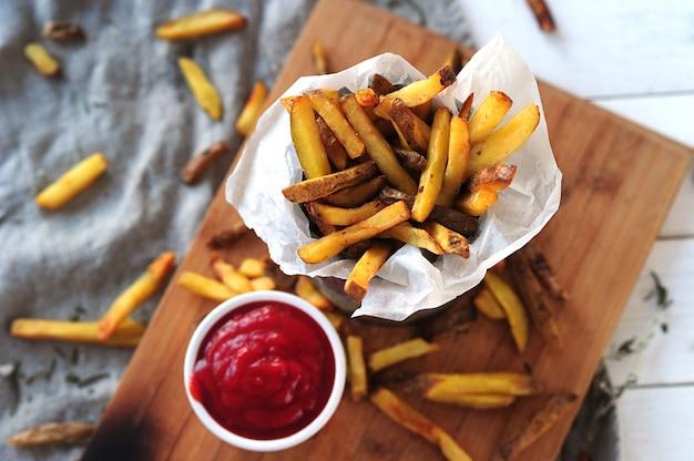 Frites et ketchup