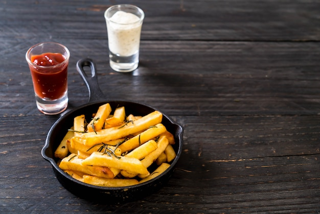 Frites avec sauce