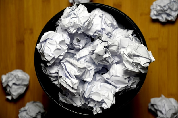 Froissé à la poubelle, pas de concept d'idée