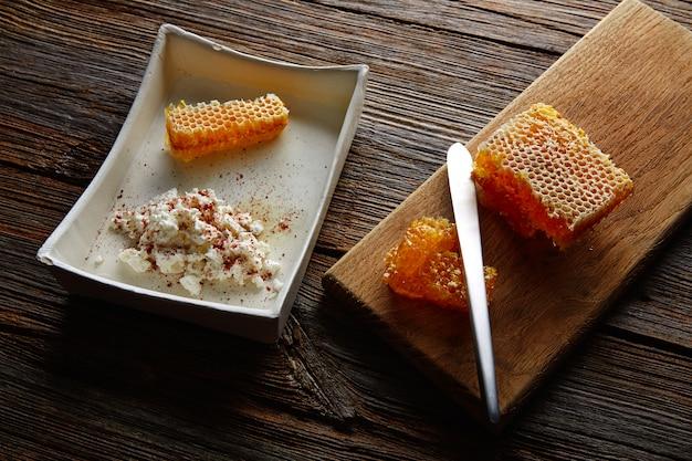 Fromage blanc au miel et au miel