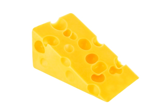 Fromage isolé sur blanc.