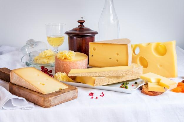 Fromage et nourriture dégustés