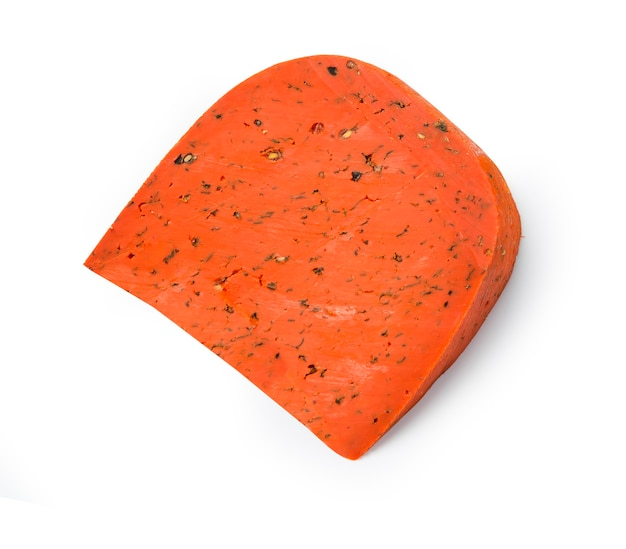 Fromage rouge isolé sur blanc