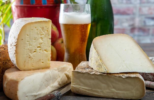 Fromages et snacks à la bière