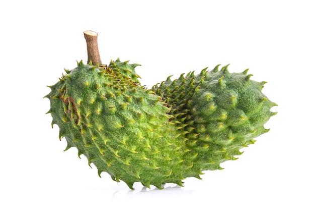 Fruit de corossol sur fond blanc