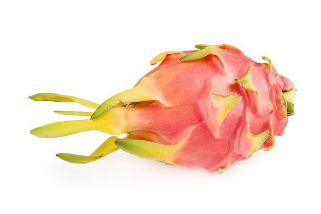 Fruit du dragon rose, frais, pitaya sur fond blanc.