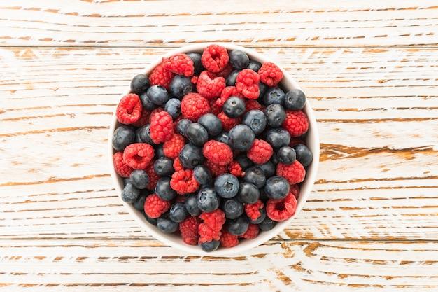 Fruit de myrtille et de framboise