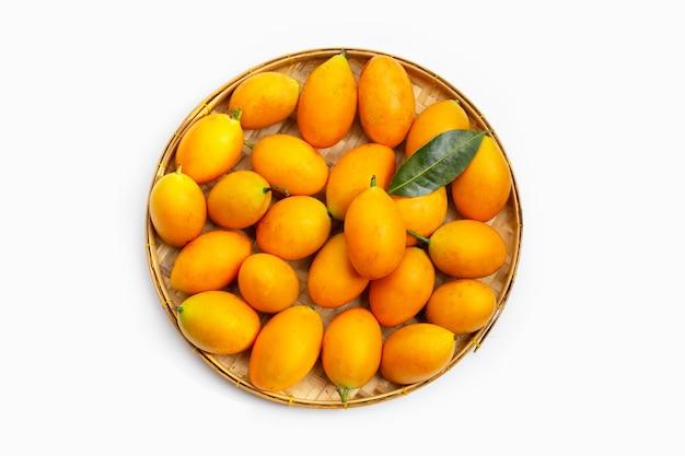 Fruit De Prune Mariale Isolé Photo Premium