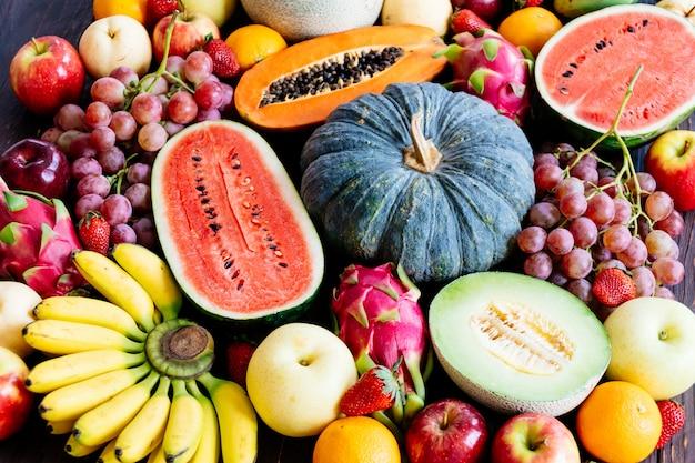 Fruits assortis et mélangés