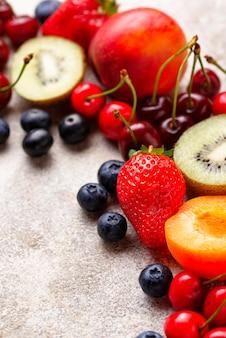Fruits et baies saison estivale