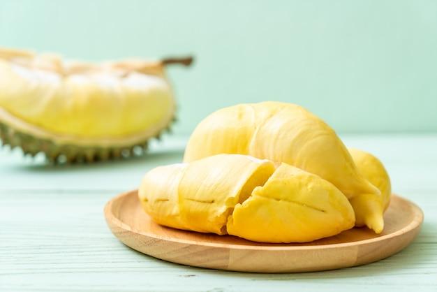 Fruits de durian frais