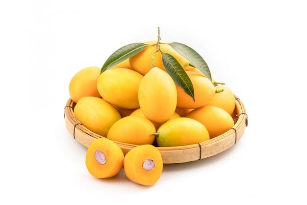 Fruits frais de prune marian jaune