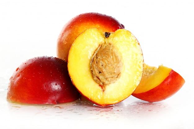 Fruits nictarins frais et humides