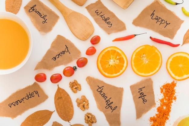 Fruits, notes et feuilles à bord
