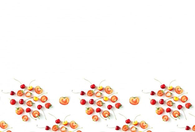 Fruits de saison biologiques crus frais