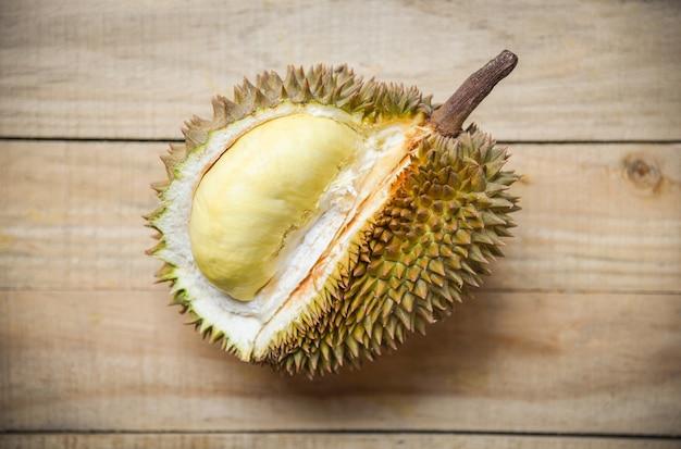 Fruits tropicaux frais de zeste de durian