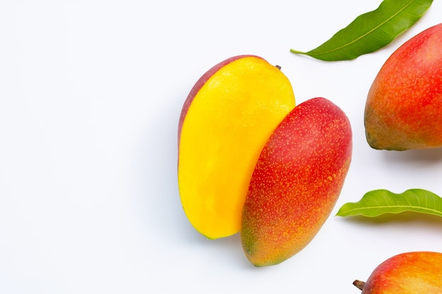 Fruits tropicaux, mangue. vue de dessus