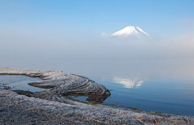 Fujisan avec brouillard japon