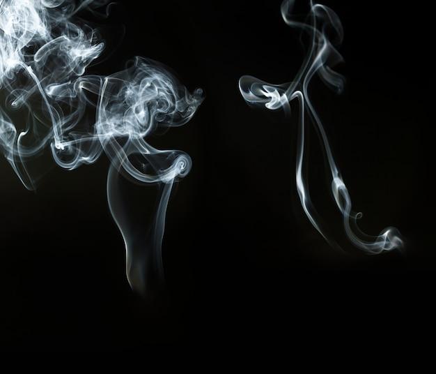 Fumée Blanche Sur Fond Noir Photo gratuit