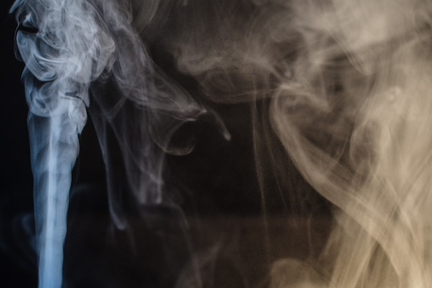 Fumée, vent autour, irrégulier, filiforme