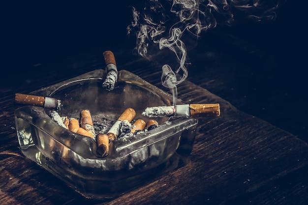 Fumer à mort.