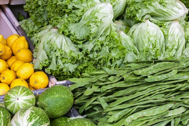 Funchal madeira 9 avril marché de fruits et légumes à funchal madeira le 9 avril 2008