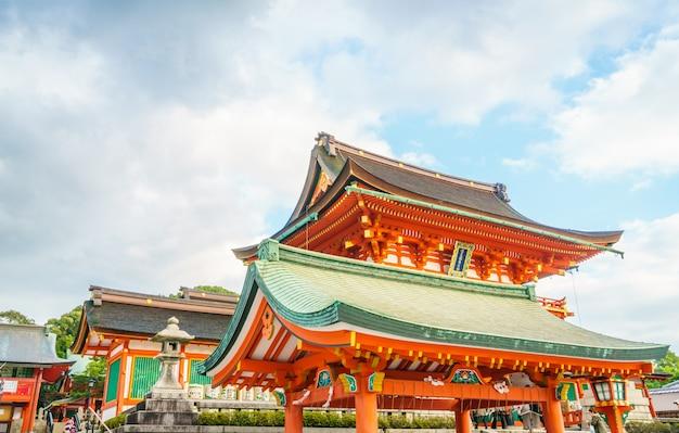 Fushimiinari taisha shrinetemple à kyoto, japon