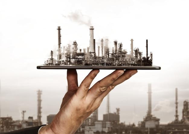 Future usine d'usine et concept d'industrie énergétique dans la conception graphique créative. usine de raffinerie de pétrole, de gaz et de produits pétrochimiques avec des arts à double exposition montrant la prochaine génération d'entreprises d'électricité et d'énergie.