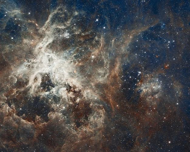 Galaxie doradus tarentule nébuleuse ngc étoiles