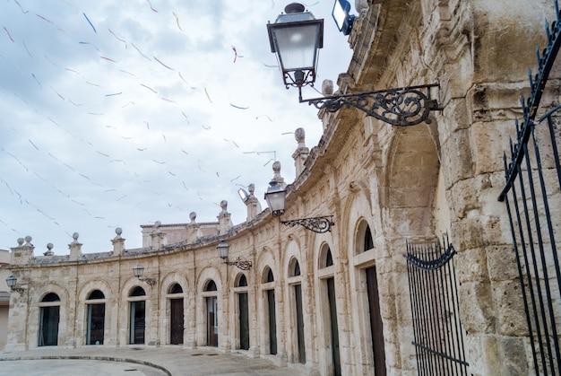 Galerie ouverte de santa maria maggiore à ispica, ragusa, sicile