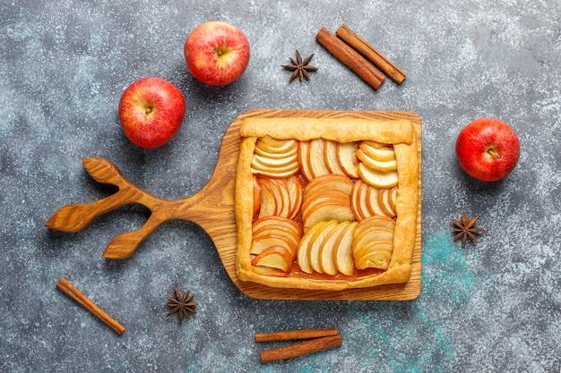 Galette maison aux pommes et cannelle